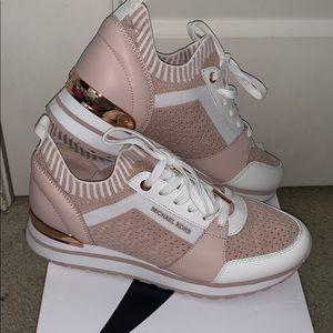 Woman's Micheal Kors Sneakers